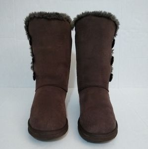 UGG Boots - Tall 3-button with Sheep Fur - Brn W10